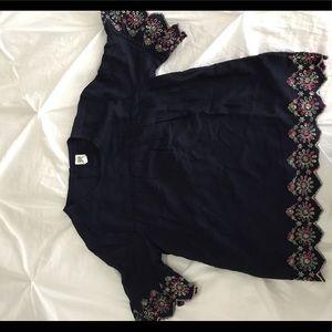 Gap kids girls size xl embroidered navy shirt